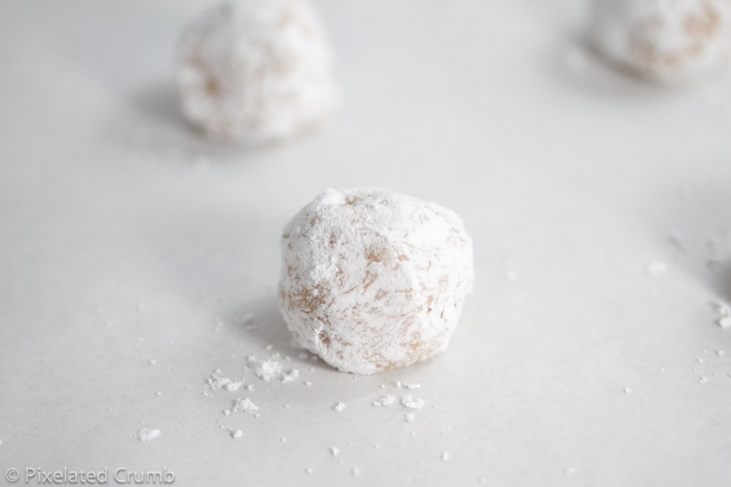 Lemon Crinkle Dough Ball