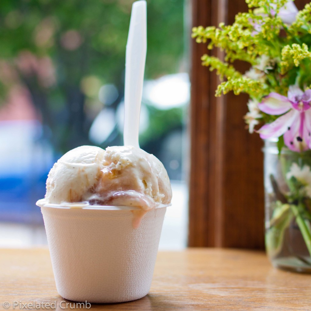 Jeni's Rockmill Golden Ale & Apricot Ice Cream