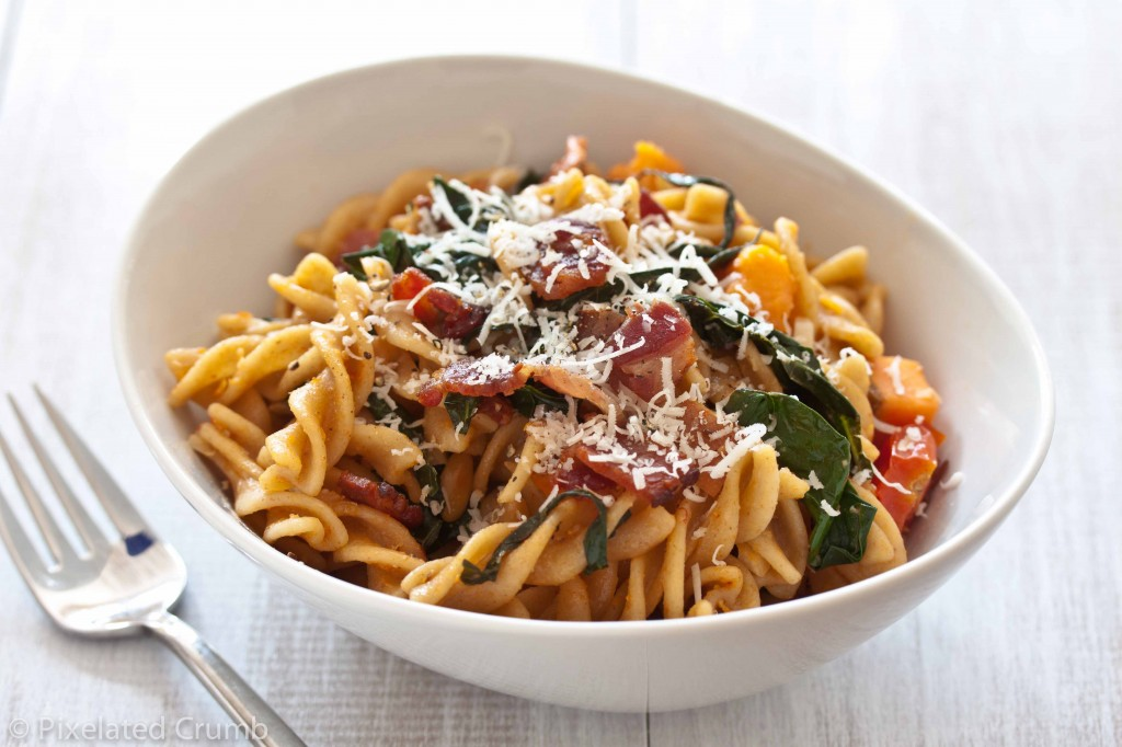 sweet potato garlicky kale pasta 4 1024x682 pasta with sweet potatoes, tomatoes, garlicky kale, and bacon